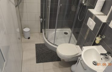 apartament 3 zator łazienka 01